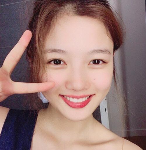 "<!HS>김유정<!HE> 현 소속사와 재계약 ""20대 시작을 동행하기로 결정"""