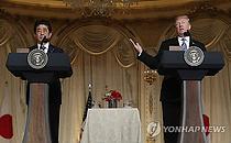 """아베, 트럼프와 통화…""""북미정상회담서 납치문제 제기 재확인"""""""