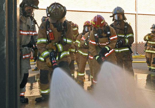 실전 같은 화재진압 훈련