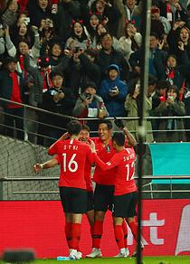 황의조·정우영 `골골`…한국 축구, 36년 만에 우루과이에 첫승