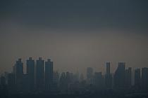 방콕 `미세먼지와의 전쟁`… 물대포 동원