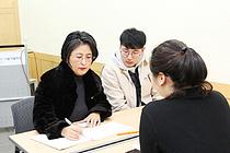 국민대 전해정 교수·학생들, 재활병원서 무료법률상담 `지역사회 상생`