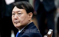 [포토] 생각에 잠긴 윤석열 검찰총장