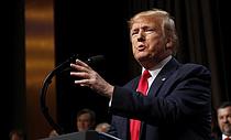 트럼프, 전쟁범죄 기소 군인 사면... 美국방부 반대에도 강행