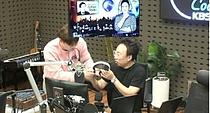 """박명수 지각 """"폭우로 교통상황 마비"""" 해명...김영철도 휴대폰으로"""