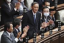 日신임 총리에 스가 선출… 아베 내각 주요인사 유임