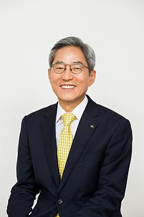 윤종규,  KB금융회장 3연임