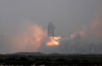 4전 5기 `스타십` 착륙 성공… 화성 이주 꿈 가까워졌다