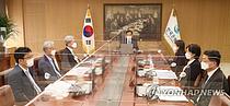 """증권사 58% """"8월 기준 금리 인상"""""""