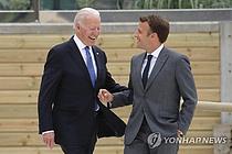 """""""미·영·호주, 6월 G7서 극비리 만남…마크롱만 왕따"""" 영국언론 폭로"""